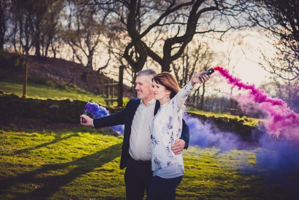smoke bomb pre-wedding shoot